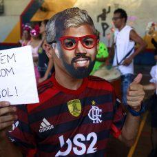 Ricardo Manhães se fantasiou de Gabigol no baile do CIAD. Foto: Marcos de Paula / Prefeitura do Rio
