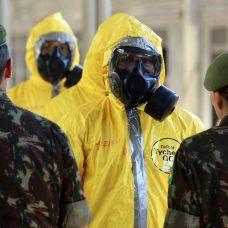 Militares usam equipamentos de proteção individual na ação desta quinta-feira. Foto: Marcos de Paula.