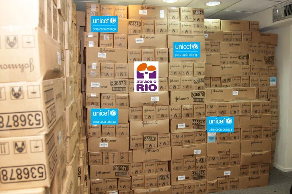 Os produtos doados serão entregues a famílias com idosos e cadastradas no programa em 10 complexos de favelas do Rio. Foto: Divulgação