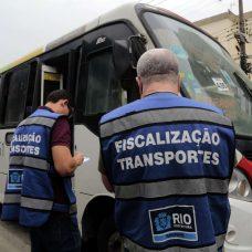 Ação resulta em 57 multas por irregularidades nos ônibus. Foto: Divulgação / Prefeitura do Rio